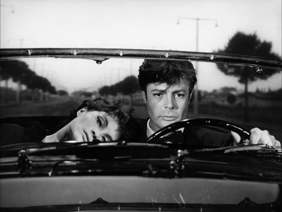 """Marcello Mastroianni w filmie """"Słodkie życie"""", wł. """"La dolce vita"""" (1960)"""
