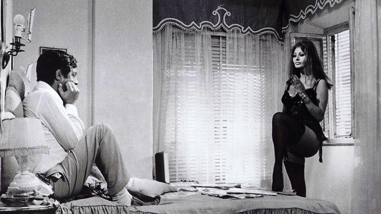 """Film """"Wczoraj, dziś, jutro"""", wł. """"Ieri, oggi, domani"""" (1963) - Vittorio De Sica"""